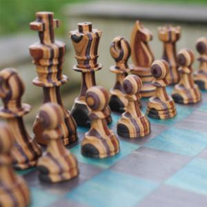 Jeux d'échecs en bois recyclé 7Plis