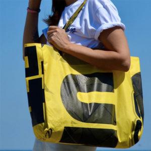 Kreakite - accessoires en voiles de Kitesurf recyclées