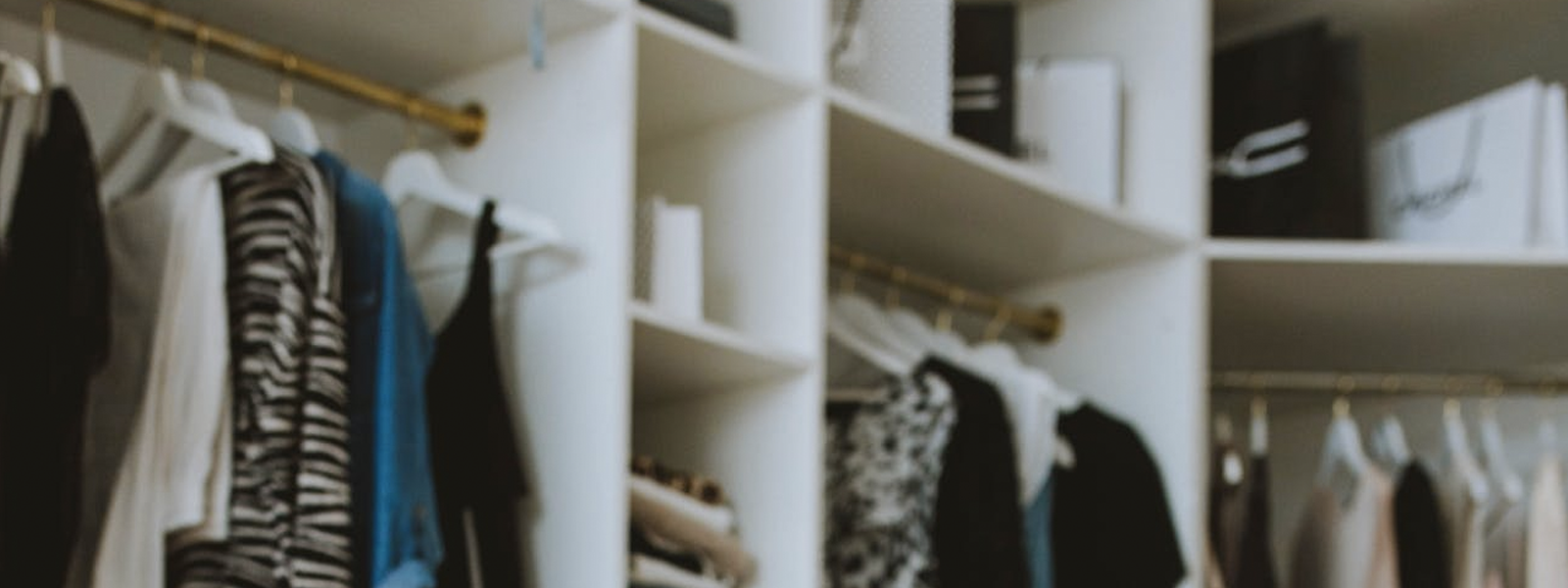 [Slow Fashion]Comment entretenir et bien ranger ses vêtements dans son placard ?